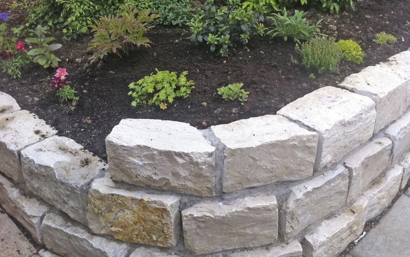 steine fur gartenmauer – usblife, Gartenarbeit ideen